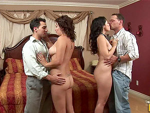 Hot FFMM Foursome With Babes Bailey Brooks And Leilani Lee