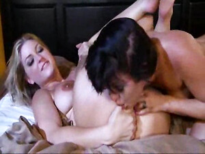 Lesbians On A Date Have Great Sex
