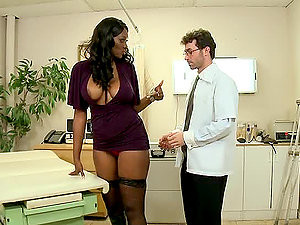 Hot Ebony Slut Fucked Deeply In The Butt And Loving It!