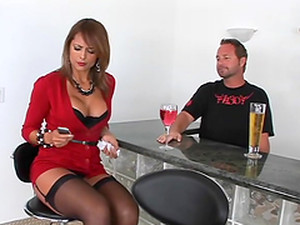 Dude Nails A Hot Milf And Shoots Jizz In Her Mouth