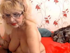 Old Webcam Model With Some Extra Meat On Her Bones Loves To Show Off Her Body