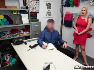 Officer Mike Take Advantage Of An Old Employee Vanessa Who Caught Stealing