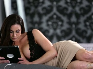 Captivating Seductress Kendra Lust Is Making Love With Her New Girlfriend