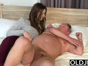 Skinny Teen Taking Facial From Fat Old Man