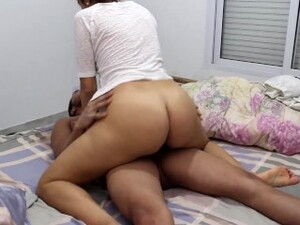 It Condom Broket And Asks Me To Keep Fucking Her Until I Finish In Her Pussy