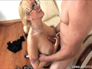 Mature Mommy With Glasses Drops On Her Knees To Please Her Lover