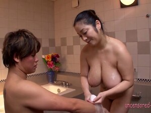 Bath And Titty Fuck Big Tits Minako Komukai - Uncensored JAV