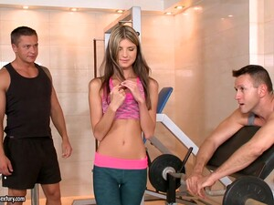 Petite Chick Doris Ivy Gets Double Penetrated At The Gym