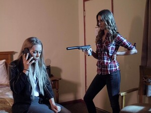 Anya Olsen Makes Sexy Nicole Aniston Have A Threesome With Her BF