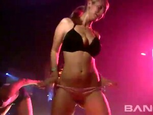 This Video Shows You What Happens When Horny Strippers Dance To Tempt Men