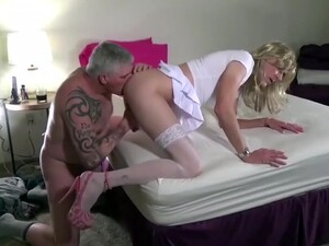 Watch Her Cum As He Fucks Her