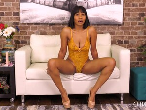 Jenna Foxx Is A Delicious, Ebony Babe Who Isn't Shy To Show Us Her Nude Body