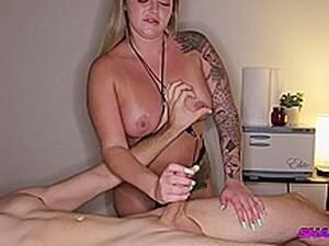 Hidden Spy Cam At Massage Parlor [Nikki]