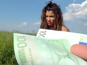 Sexy Spanish Fuck In Field For Cash