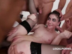 Lydia Black Knows How To Handle Many Horny Guys During A Gangbang And Get A Massive Facial Cumshot