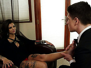 Pretty Brunette Sex Pot Bonnie Rotten Sucks Giant Dick Of Bruce Venture Greedily