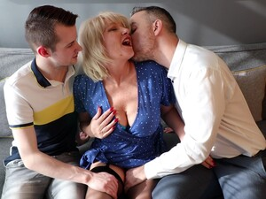 MatureNL - Amy Threesome