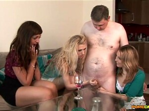 Amateur Guy Gets His Dick Milked By Bunny Carmen And Her Friends