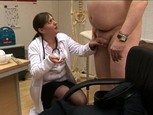 Doctor Scarlett March Teaches Her Students How To Suck A Dick