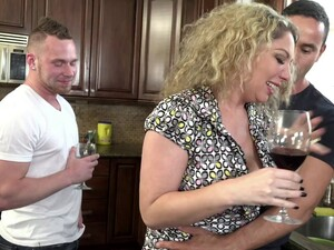 Kiki Daire Cannot Resist A Couple Of Handsome Bisexul Lovers