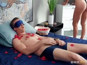 Horny Blonde Kenzie Reeves Surprises Her Boyfriend With Nice Anal