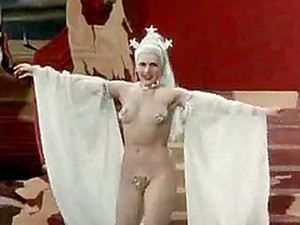 Tons Of Naked Women In A Scene From Ah! Les Belles Bacchantes - Vintage Porn