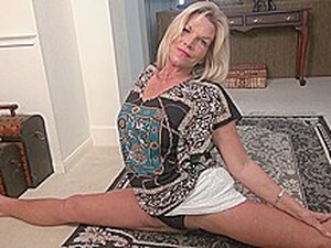 American Housewife Sasha Playing With Herself
