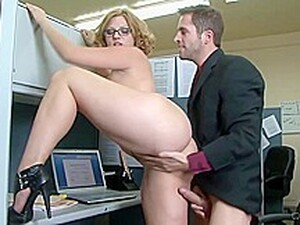 Big Ass, Office Lady Is Getting Hammered While At Work And She Likes It A Lot