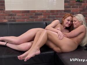 Eva Wake Her Girlfriend Up With A Dildo
