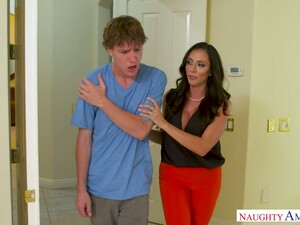 Caring Busty Mommy Ariella Ferrera Gets Intimate With Her Traumatized Stepson