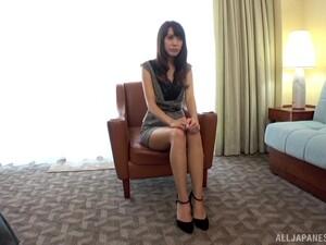 Mature Shy Brunette MILF Ooishi Kaori Makes Herself Cum