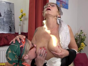 Granny Prolapse Her Extreme Big Meat Hole And Gets Licked By Her Mature Girlfriend