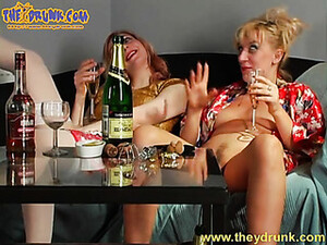Girls Drink And End Up Fooling Around
