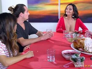 Christmas Milf Slut Ava Addams Invites Him To Fuck Her Cunt