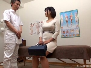 Japanese Sweetie Gets Her Hairy Cunt Massaged By A Fat Cock