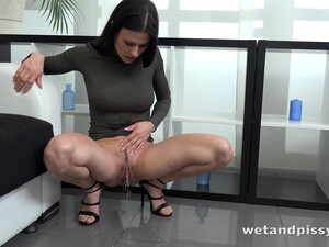 Amazing Brunette Named Billie Star Just Loves Pissing And Fingering Slit