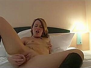 Solo Fun In The Hotel - Julia Reaves
