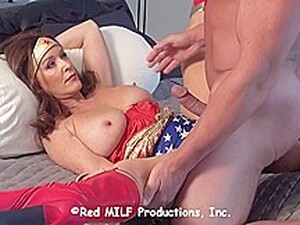 Horny Wonder Woman Is Determined To Fuck A Muscled Guy, Even Though He Might Be A Villain