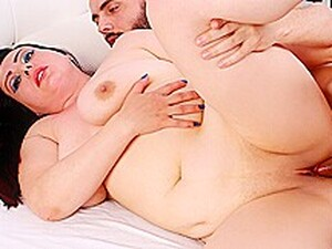 Fat Romanian MILF Elisa Beth Seduced Into Rough Anal With A Sensual Rubdown