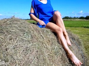 PUBLIC FLASHING OF PUSSY AND BUTT PLUG IN AN OPEN FIELD AND A STUNNING DRESS! ANGELINAPUX 4K