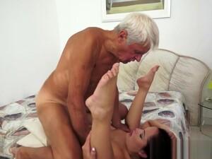 Teen Fucks Old Grandpa