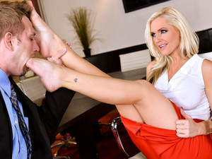 Alena Croft In Ms Croft's Sexy Executive Decision - 21Sextury