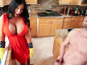 Sybil Stallone & Van Wylde In Stepmoms Spring Cleaning - Brazzers