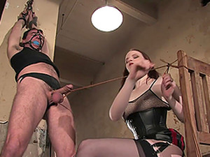 Bondage Fun For A Guy With A Hot Mostress