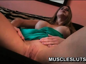 Muscle Slut And Her Sexy Shaved Pussy Get Some Attention