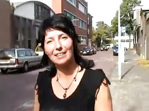 Amy Wordt In De Cabrio Geneukt