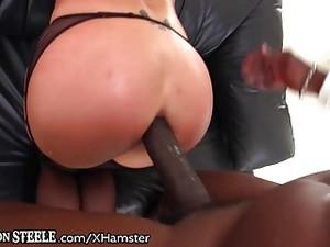 Lexington Steele Gives It To Lexi Lowe's Ass