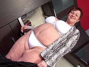 Fat Chick Verica Penetrates Her Vagina With A Plastic Sex Toy
