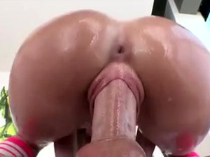 Hot Tight Pussy Milf Got Fucked By Neighbor Guy