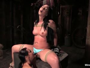 Julie Night In Wiredpussy Video